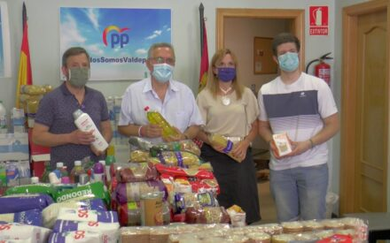 El PP hace entrega de su campaña de recogida de alimentos
