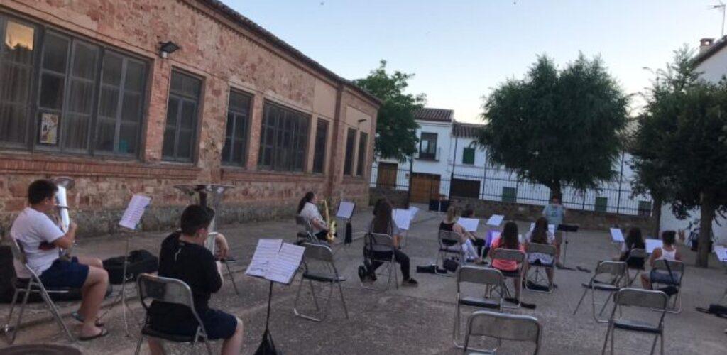 Los instrumentos musicales de la Agrupación Musical Santa Cecilia vuelven a sonar en Villanueva de los Infantes
