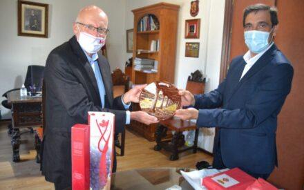 El embajador de Canadá visita Almagro
