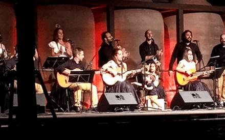 """El Coro Alma Rociera llena de alegría """"Las Noches de A7"""" en Valdepeñas"""