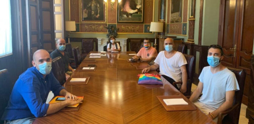 La Diputación sigue trabajando de forma conjunta con los colectivos LGTBI para dar visibilidad a la diversidad sexual y de género en cada rincón de la provincia