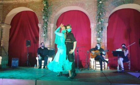 El Claustro del Convento de Santo Domingo de Villanueva de los Infantes vibró con el espectáculo flamenco de Savia Nueva