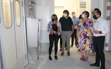 Carmen Olmedo ha visitado en Santa Cruz de Mudela la empresa 'Desarrollo Gastronómico'