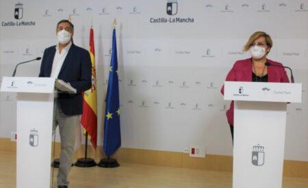 La delegada de la Junta de Comunidades en Ciudad Real lanza un mensaje de tranquilidad a los padres