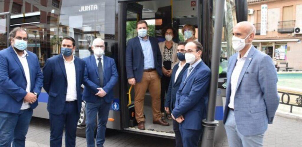 El primer autobús propulsado a gas cubre la ruta de línea regular Miguelturra-Ciudad Real