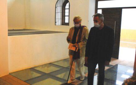 Jesús Martín acompaña a Villena en el Homenaje a la Poesía Vaso XXIV del Ciclo de Vinos Nobles