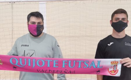Carlos Barchino se compromete con el equipo del C.D. Quijote Futsal